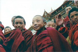 2001 China Aba monk children