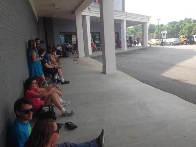 Folks waiting in line to audition